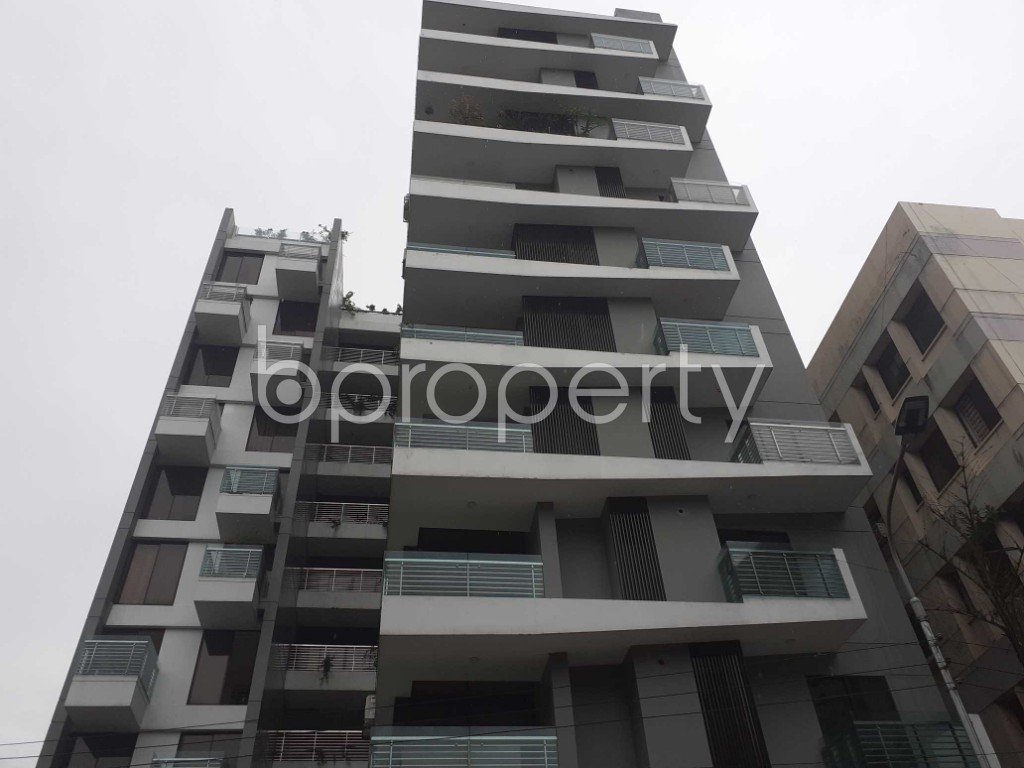Front view - 3 Bed Apartment to Rent in Banani, Dhaka - 1912814