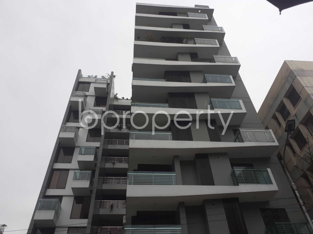 Front view - 3 Bed Apartment to Rent in Banani, Dhaka - 1912815
