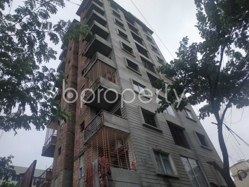 Front view - 3 Bed Apartment for Sale in Bashundhara R-A, Dhaka - 1912825