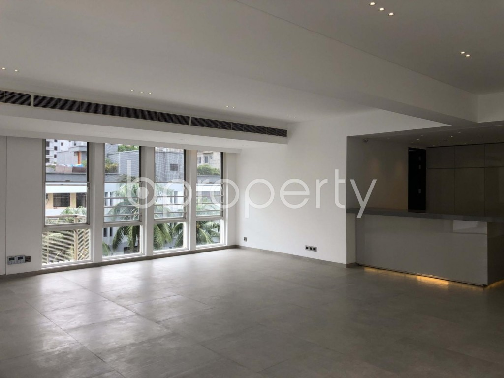 Empty Room - 3 Bed Apartment to Rent in Gulshan, Dhaka - 1910959