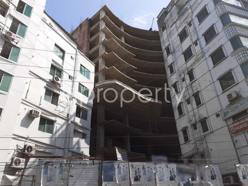Front view - Floor for Sale in Bashundhara R-A, Dhaka - 1913229