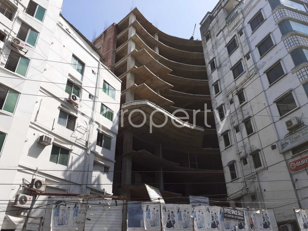 Front view - Floor for Sale in Bashundhara R-A, Dhaka - 1913230
