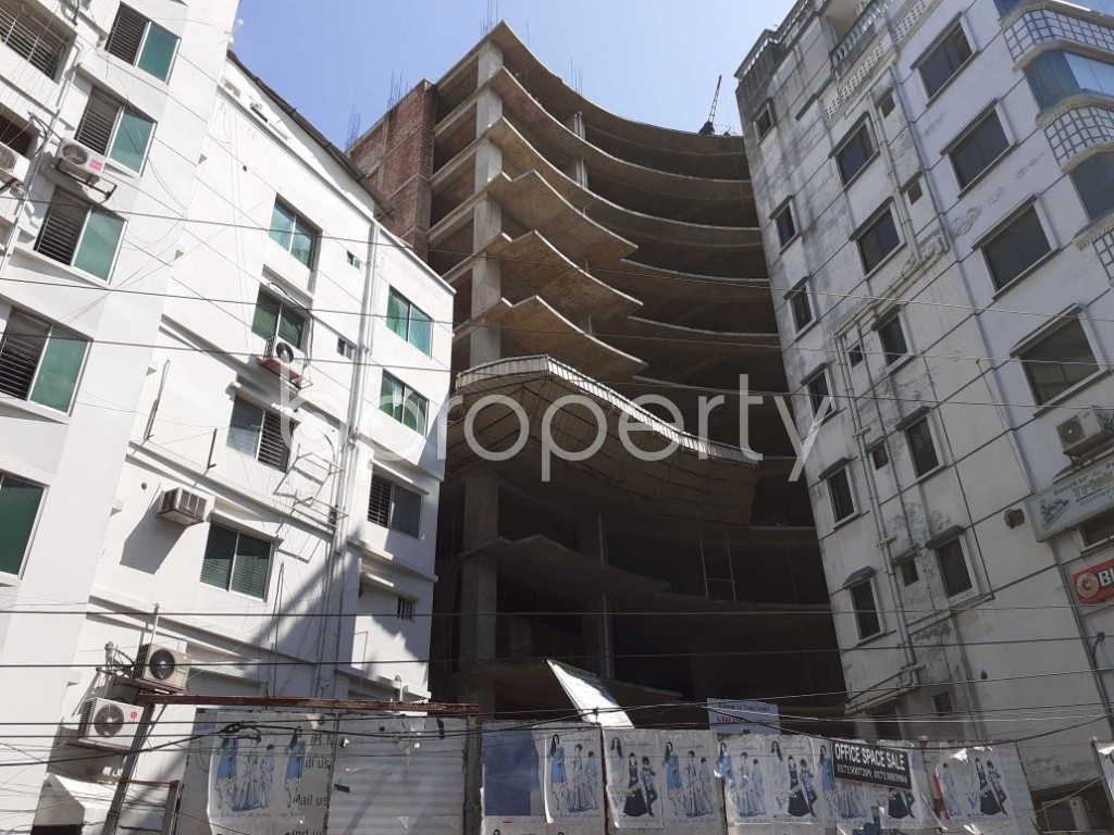 Front view - Floor for Sale in Bashundhara R-A, Dhaka - 1913235