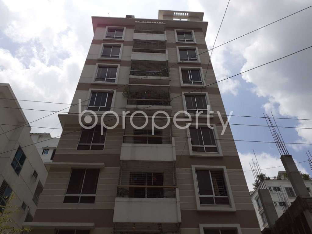 Front view - 3 Bed Apartment for Sale in Bashundhara R-A, Dhaka - 1913472