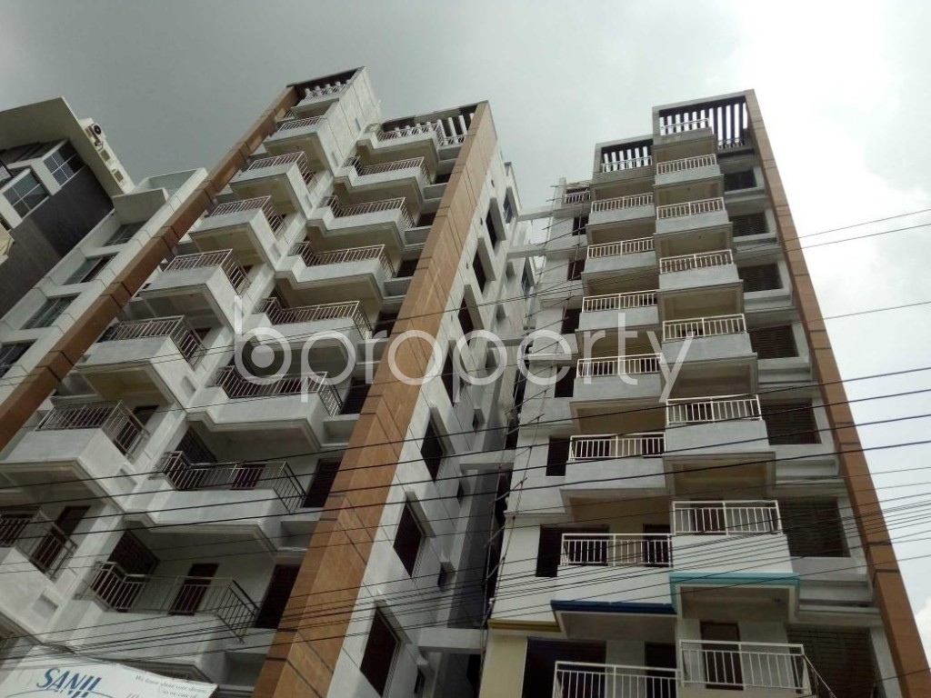 Front view - 3 Bed Apartment for Sale in Bashundhara R-A, Dhaka - 1914253