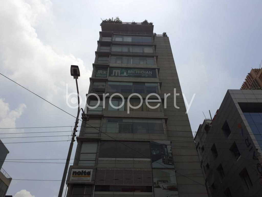 Commercial inside - Floor for Sale in Banani, Dhaka - 1915383