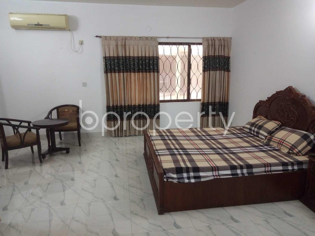 Entrance - 3 Bed Apartment to Rent in Baridhara, Dhaka - 1916849