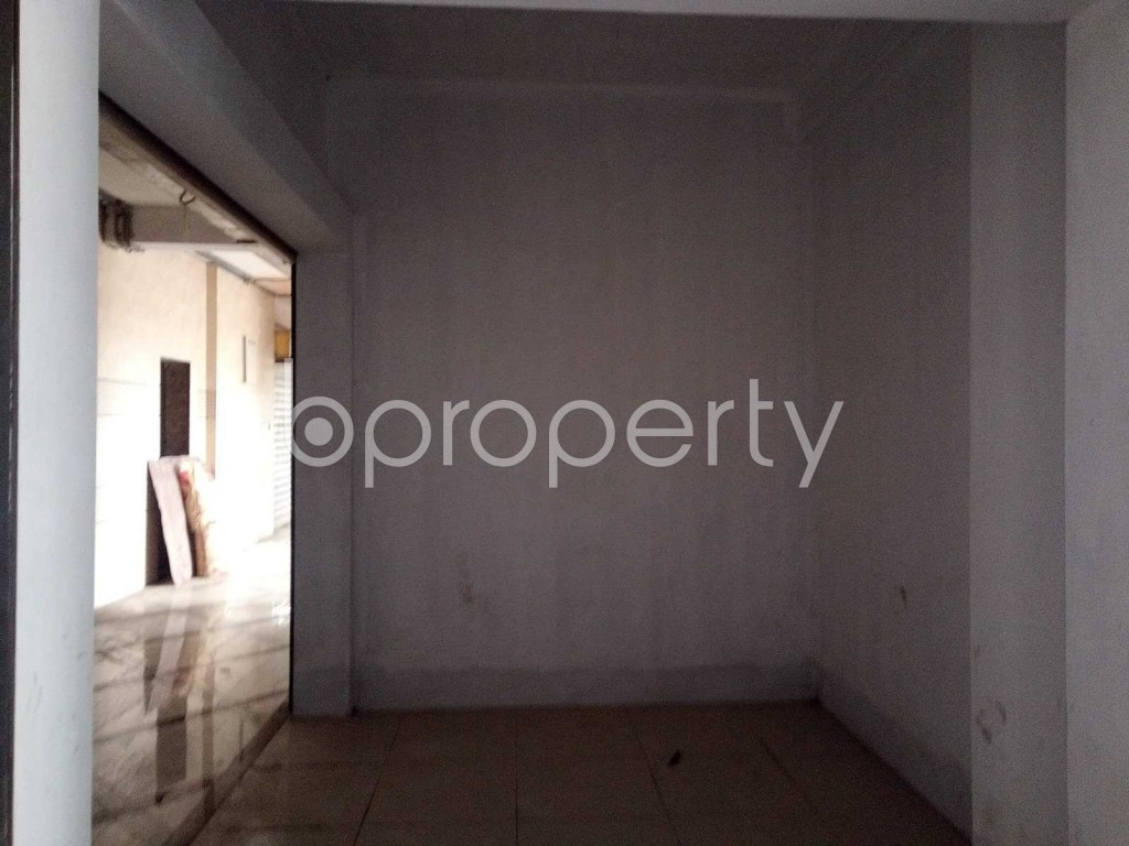 Commercial inside - Office for Sale in Halishahar, Chattogram - 1918290