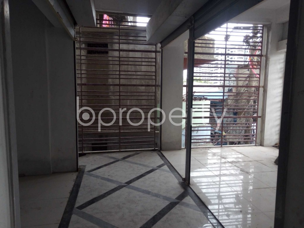 Commercial inside - Office for Sale in Halishahar, Chattogram - 1918292