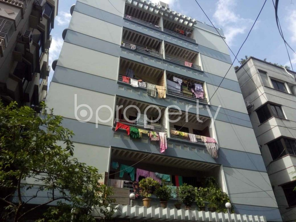 Image 1 - 3 Bed Apartment to Rent in Baridhara DOHS, Dhaka - 1918458