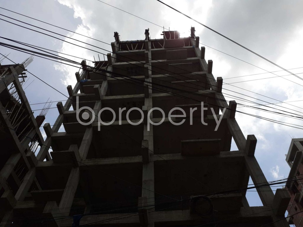 Front view - 4 Bed Apartment for Sale in Bashundhara R-A, Dhaka - 1918615