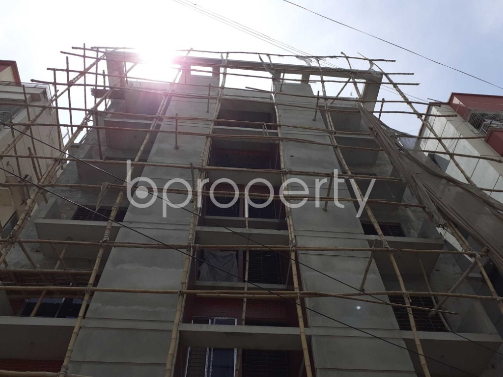 Front view - 3 Bed Apartment for Sale in Bashundhara R-A, Dhaka - 1918686