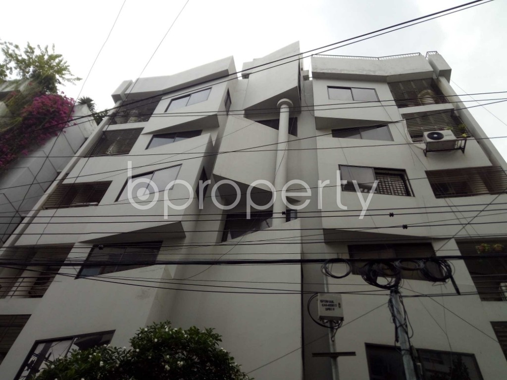Outside view - 3 Bed Apartment to Rent in Banani, Dhaka - 1919180