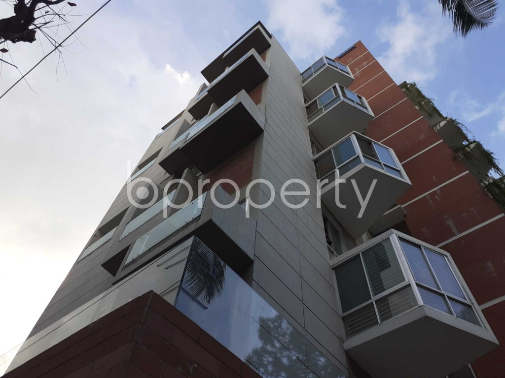 Outside view - 4 Bed Duplex for Sale in Gulshan, Dhaka - 1919670