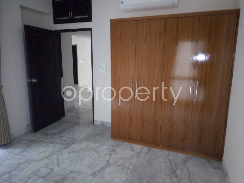 Entrance - 4 Bed Apartment to Rent in Baridhara, Dhaka - 1919344