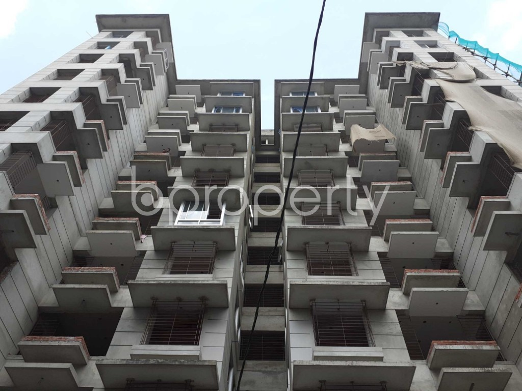 Front view - 4 Bed Apartment for Sale in Bashundhara R-A, Dhaka - 1920022