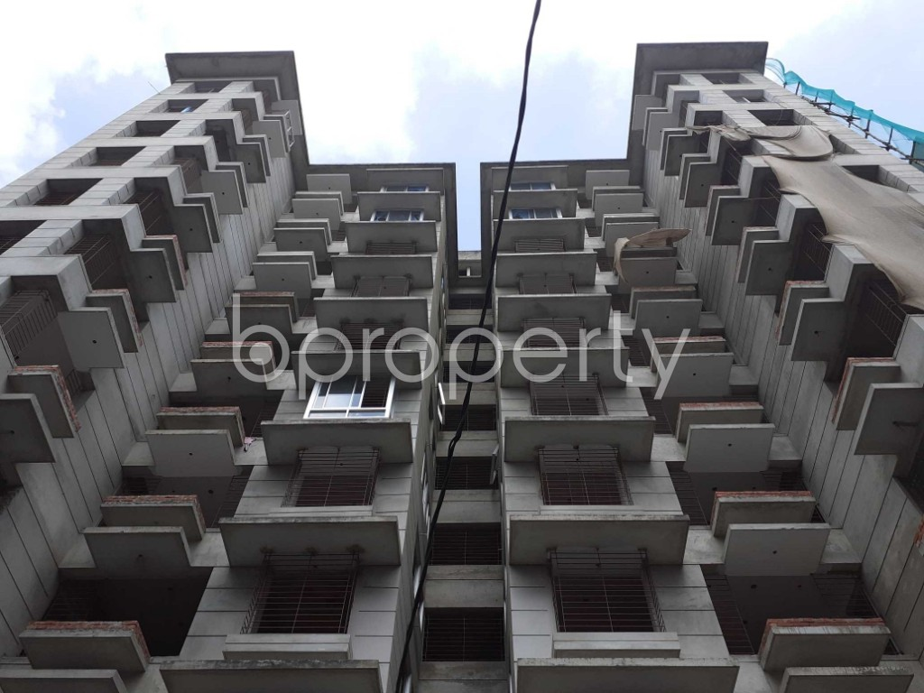 Front view - 4 Bed Apartment for Sale in Bashundhara R-A, Dhaka - 1920023