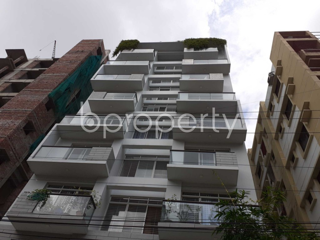 Front view - 3 Bed Apartment to Rent in Bashundhara R-A, Dhaka - 1920141