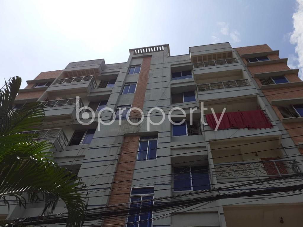 Front view - 3 Bed Apartment to Rent in Bashundhara R-A, Dhaka - 1920142