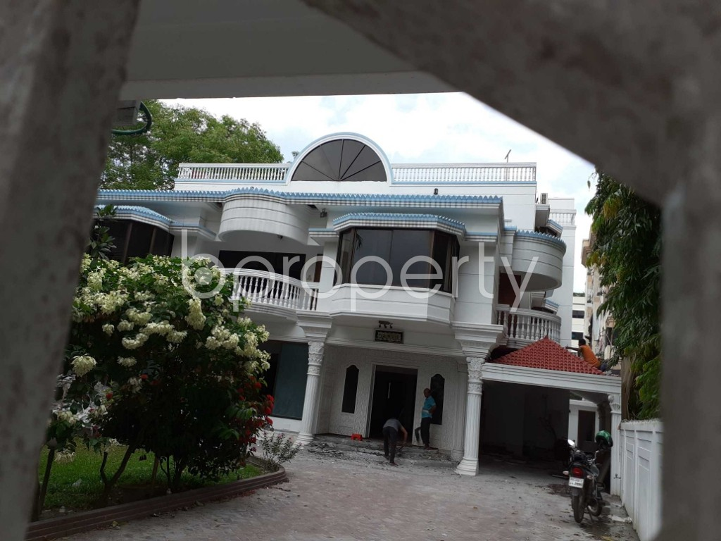 Front view - 7 Bed Apartment to Rent in Gulshan, Dhaka - 1920154