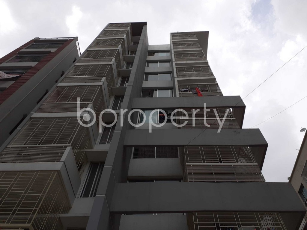 Front view - 3 Bed Apartment to Rent in Bashundhara R-A, Dhaka - 1920476
