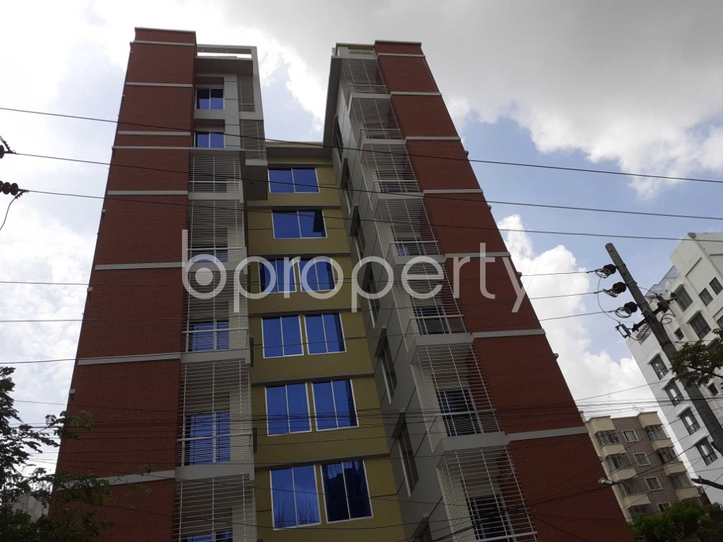 Front view - 3 Bed Apartment to Rent in Bashundhara R-A, Dhaka - 1920478