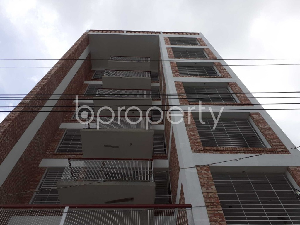 Front view - 3 Bed Apartment for Sale in Bashundhara R-A, Dhaka - 1920487