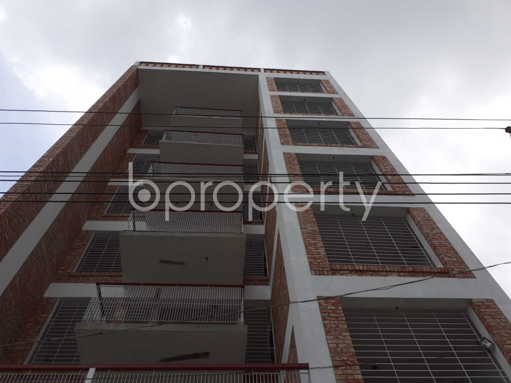 Front view - 3 Bed Apartment for Sale in Bashundhara R-A, Dhaka - 1920488