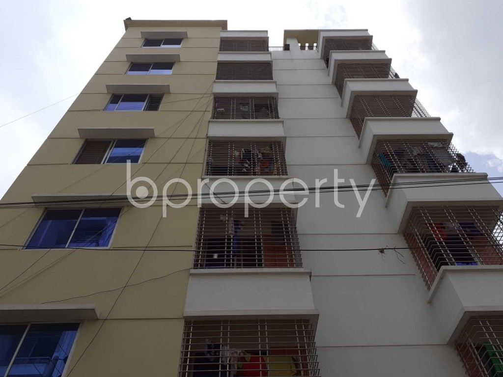 Front view - 3 Bed Apartment to Rent in Bashundhara R-A, Dhaka - 1920505