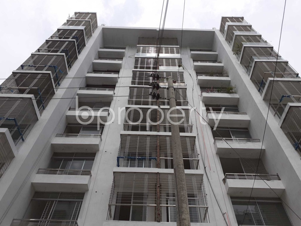 Front view - 4 Bed Apartment to Rent in Bashundhara R-A, Dhaka - 1920506