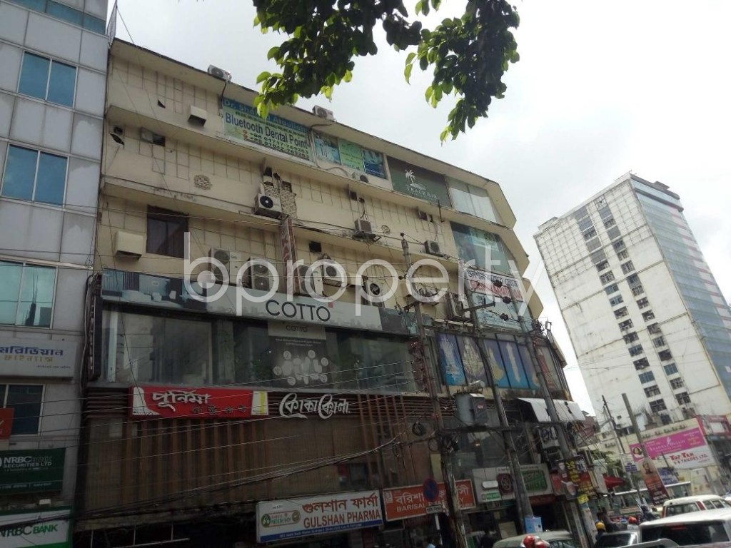 Front view - Shop to Rent in Gulshan, Dhaka - 1920549