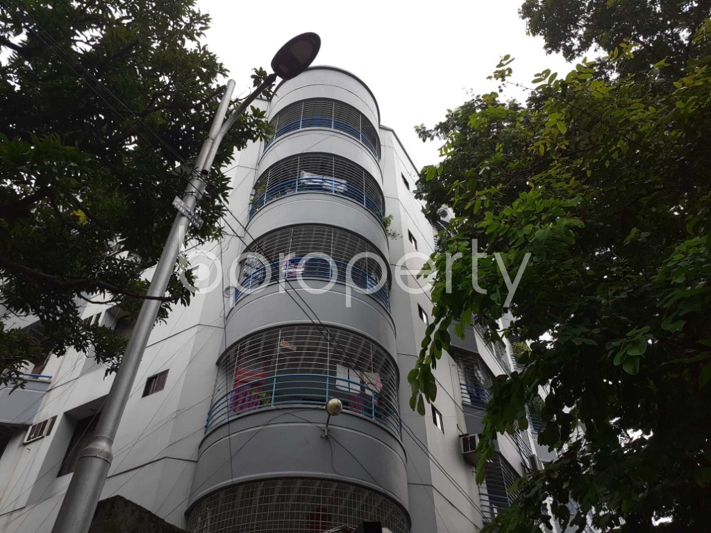 Outside view - 3 Bed Apartment to Rent in Dhanmondi, Dhaka - 1920825
