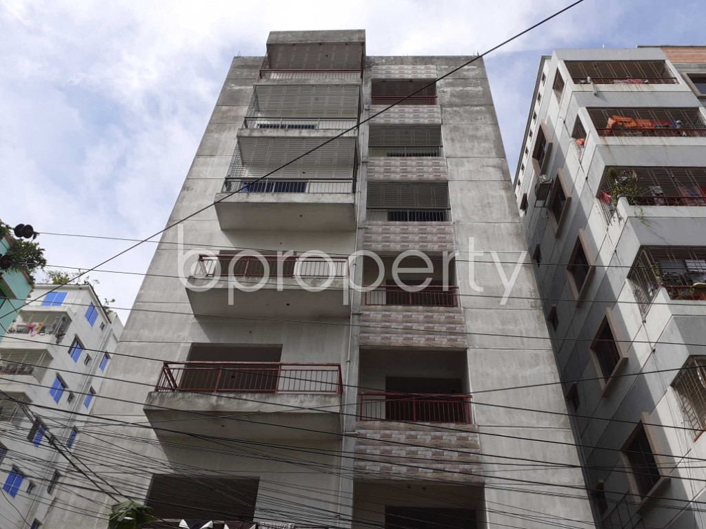 Front view - 3 Bed Apartment to Rent in Bashundhara R-A, Dhaka - 1920958