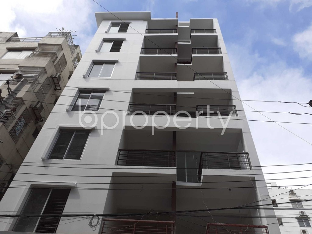 Front view - 3 Bed Apartment to Rent in Bashundhara R-A, Dhaka - 1920959