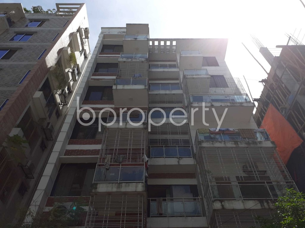 Front view - 3 Bed Apartment to Rent in Bashundhara R-A, Dhaka - 1920965