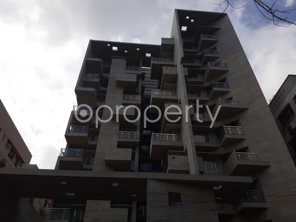 Front view - 3 Bed Apartment to Rent in Dhanmondi, Dhaka - 1921003