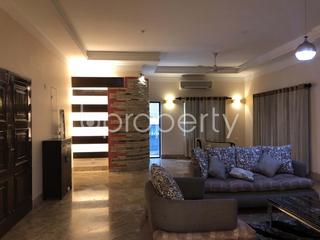 Empty Room - 3 Bed Apartment to Rent in Baridhara, Dhaka - 1888564