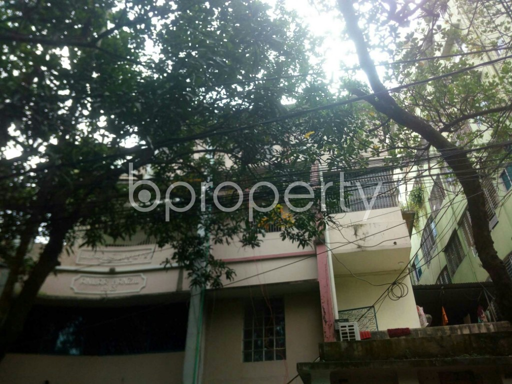 Outside view - 3 Bed Apartment to Rent in 16 No. Chawk Bazaar Ward, Chattogram - 1923060