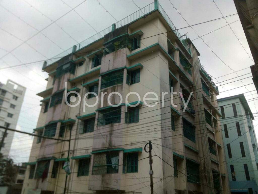 Outside view - 3 Bed Apartment to Rent in 16 No. Chawk Bazaar Ward, Chattogram - 1923066