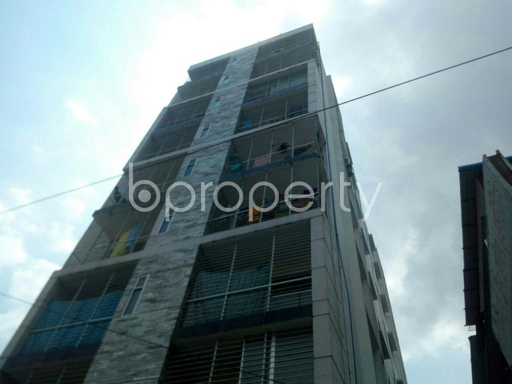 Front view - 3 Bed Apartment to Rent in 16 No. Chawk Bazaar Ward, Chattogram - 1923151