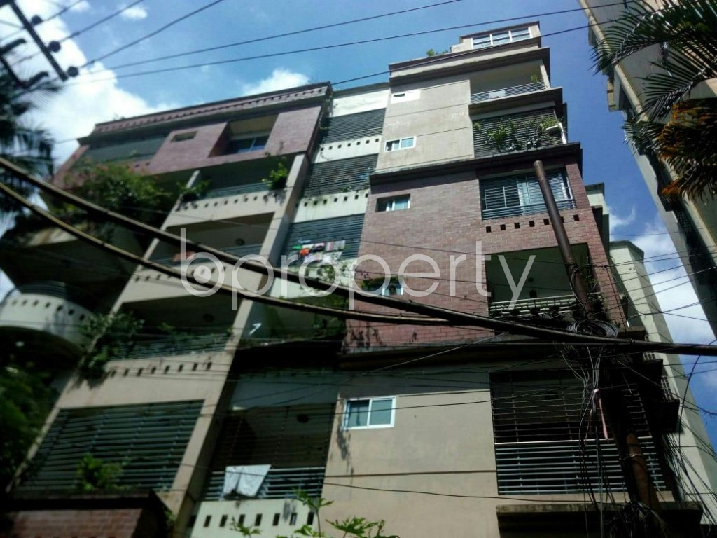 Front view - 3 Bed Apartment to Rent in 16 No. Chawk Bazaar Ward, Chattogram - 1924109