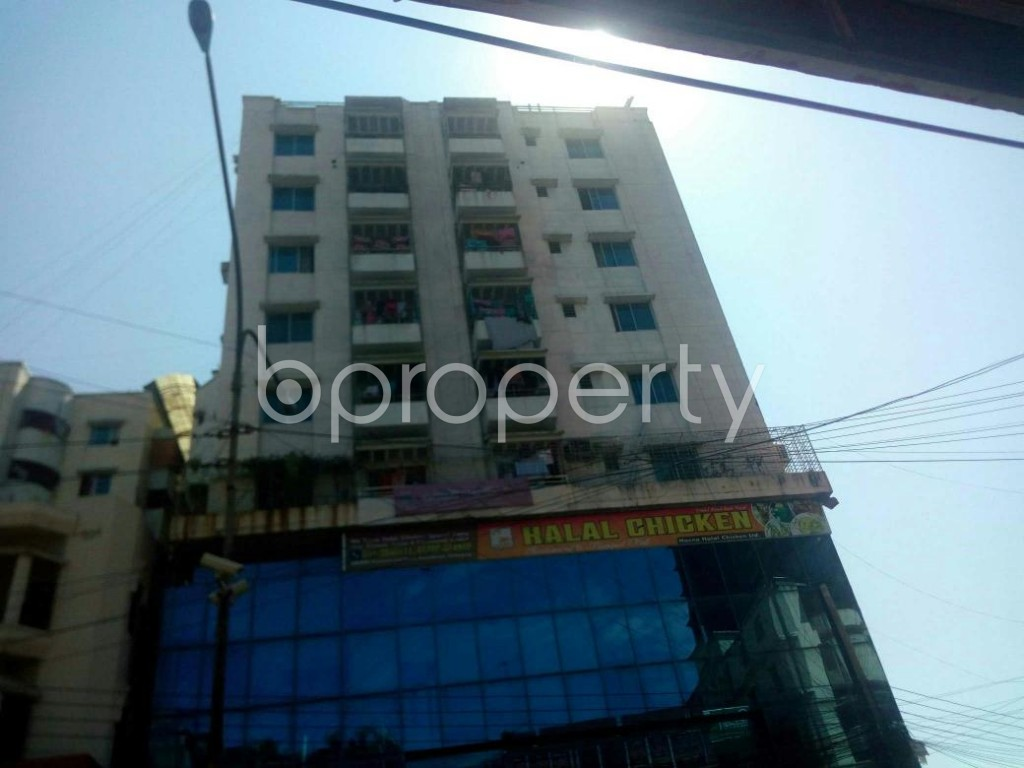 Front view - 3 Bed Apartment to Rent in 16 No. Chawk Bazaar Ward, Chattogram - 1924460