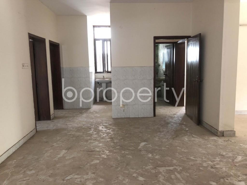Empty Room - Building to Rent in Uttara, Dhaka - 1913780