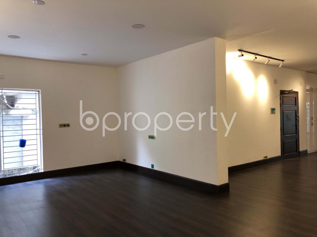 Empty Room - 3 Bed Apartment to Rent in Gulshan, Dhaka - 1919332