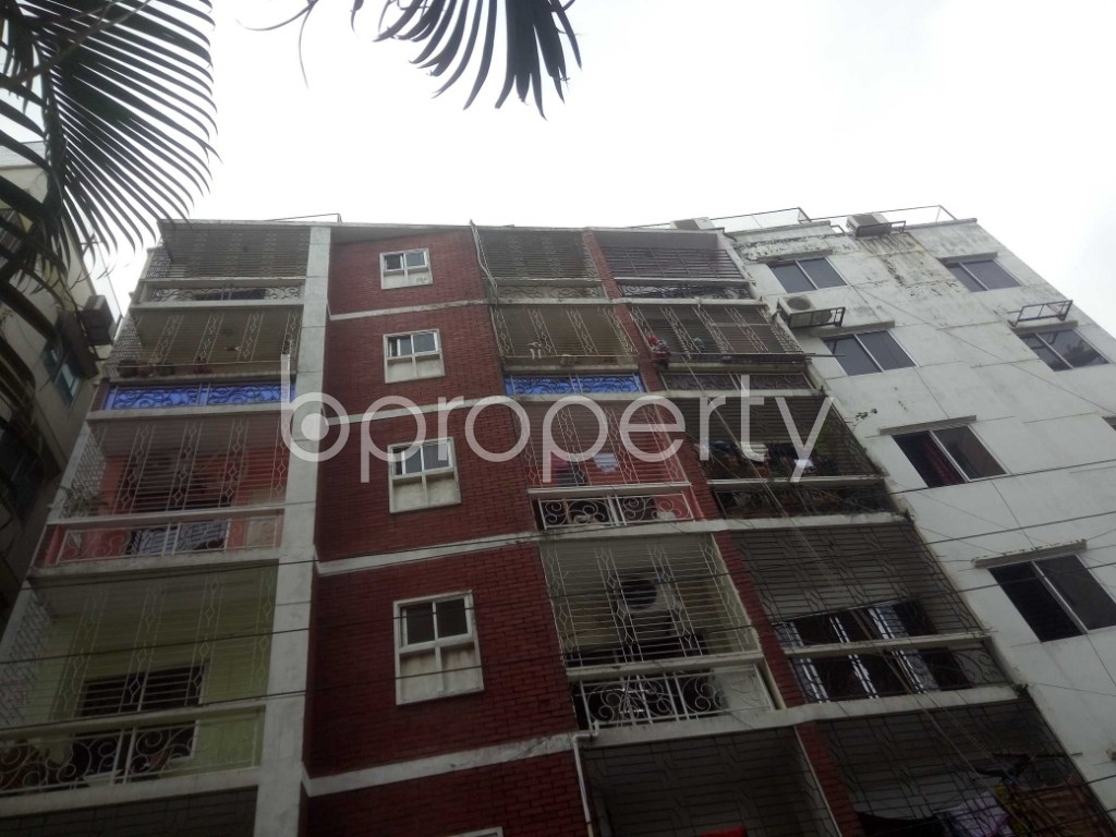Outside view - 3 Bed Apartment to Rent in Baridhara, Dhaka - 1925756