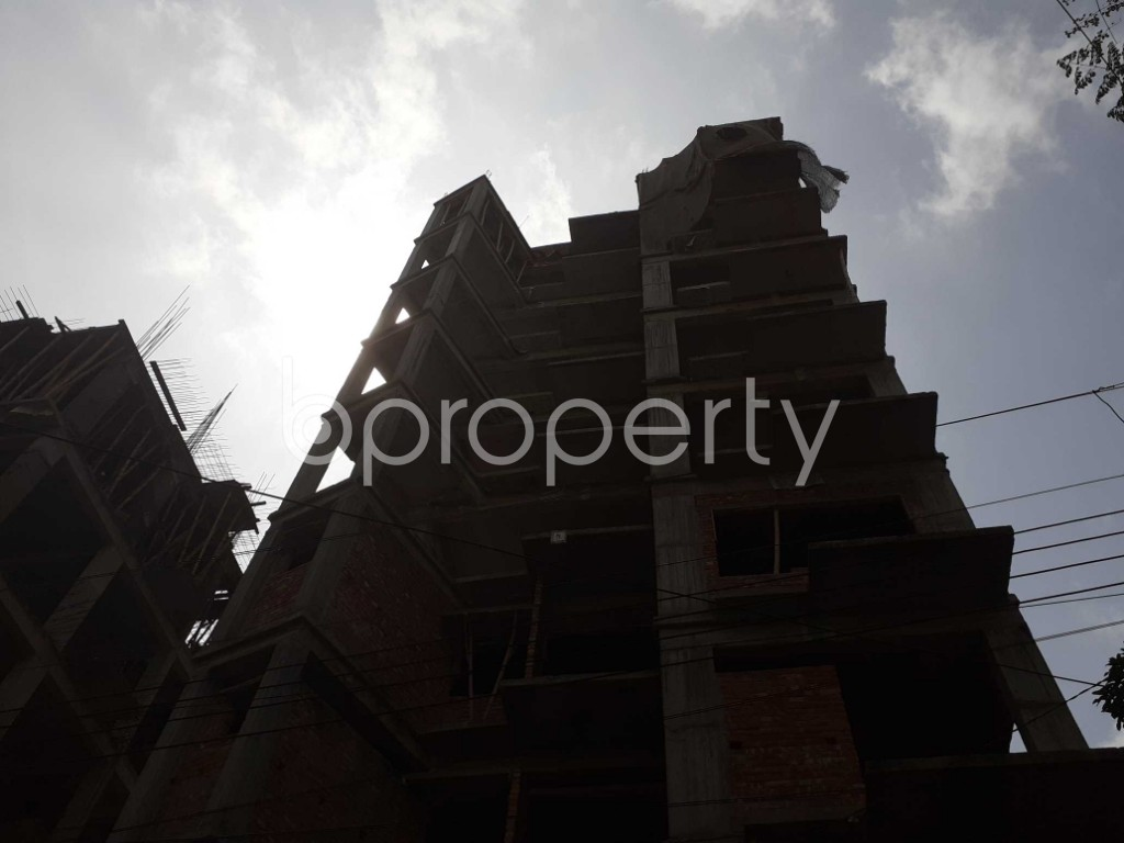 Front view - 3 Bed Apartment for Sale in Bashundhara R-A, Dhaka - 1925817