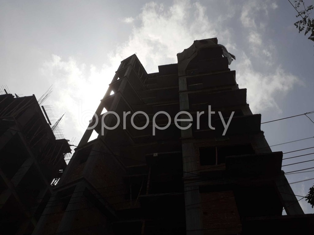 Front view - 3 Bed Apartment for Sale in Bashundhara R-A, Dhaka - 1925818