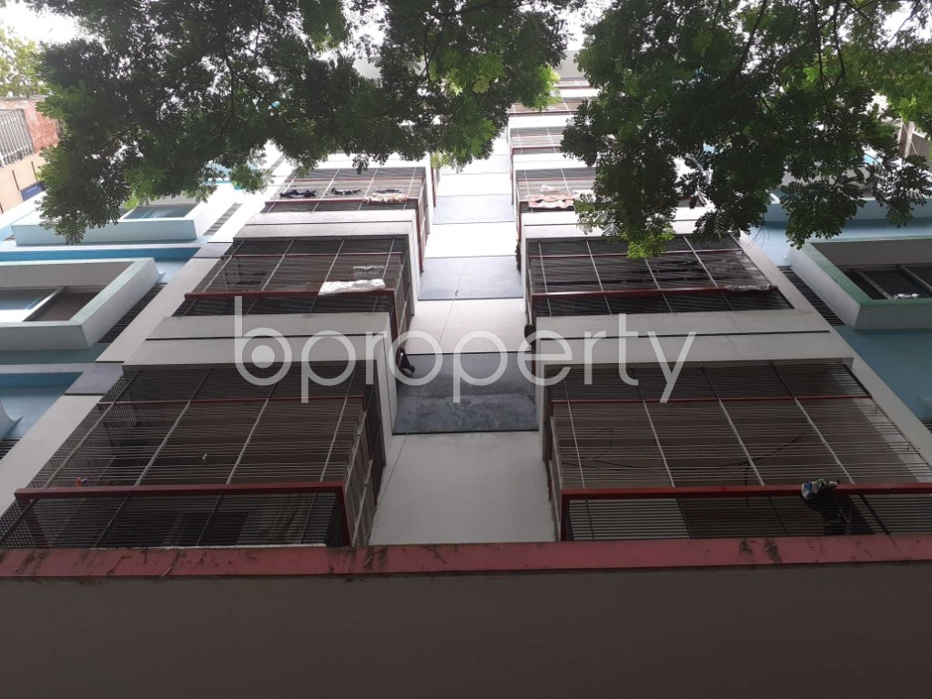 Front view - 2 Bed Apartment for Sale in Bashundhara R-A, Dhaka - 1926091