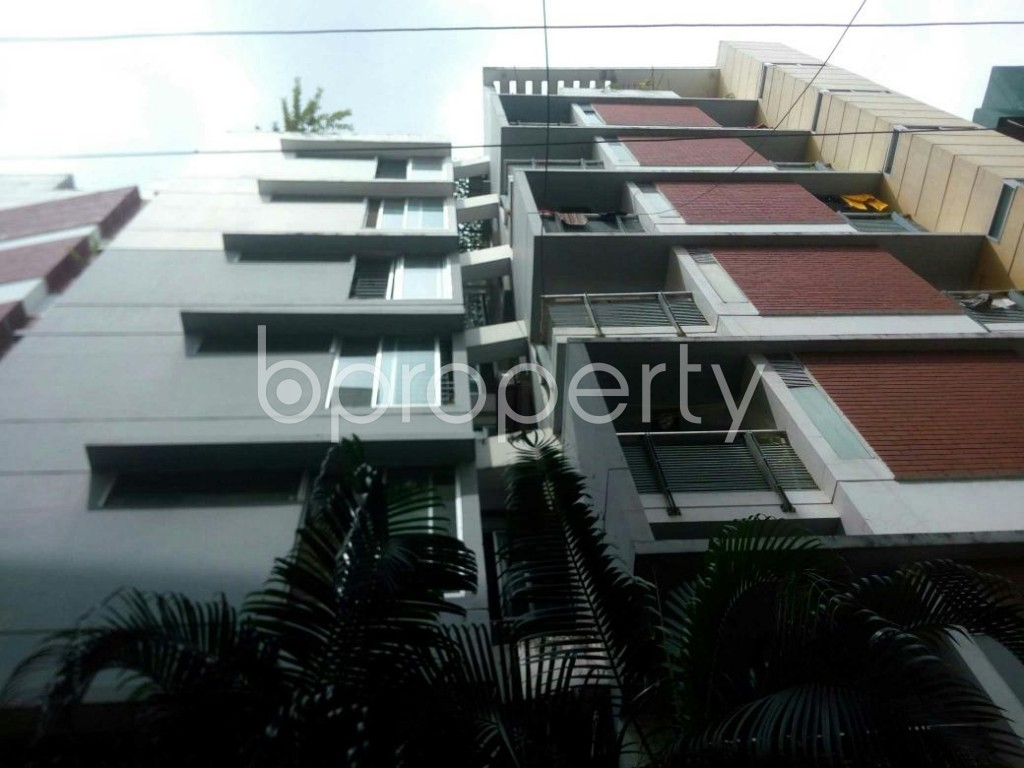 Front view - 3 Bed Apartment to Rent in 16 No. Chawk Bazaar Ward, Chattogram - 1927127