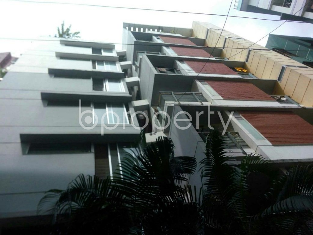 Front view - 3 Bed Apartment to Rent in 16 No. Chawk Bazaar Ward, Chattogram - 1927128